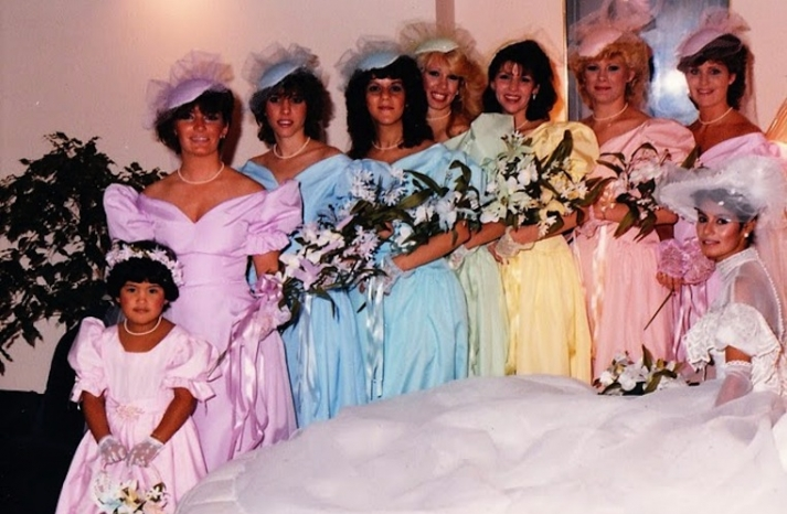 bad-bridesmaid-style-ugly-bridal-party-photos-wedding-fun-pastels__full-carousel