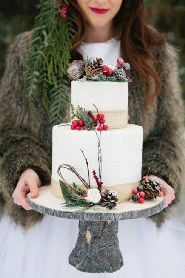 Rustic-Burlap-Winter-Wedding-Cake