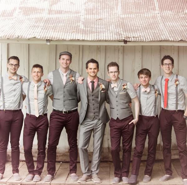 26-A-Creative-Barn-Wedding-in-Michigan