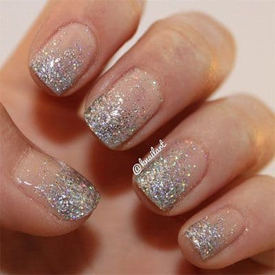 16-amazing-glitter-wedding-nails-for-the-bride-4