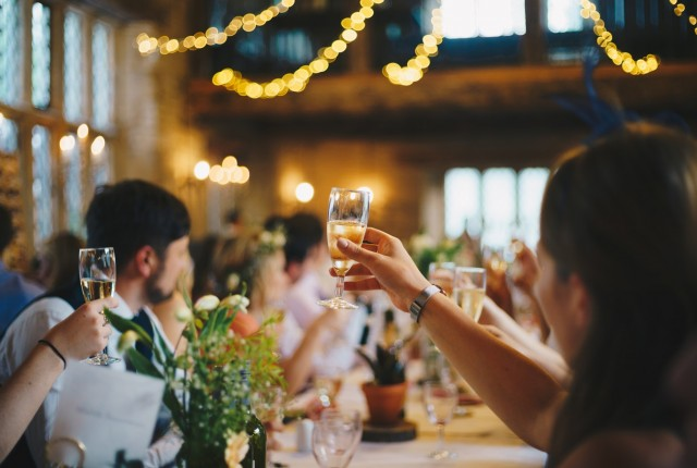 dont-drink-champagne(unsplash)