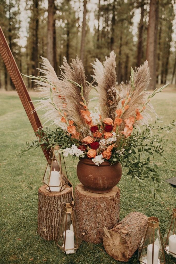 Fall Wedding Flowers, Autumn colors, wedding bouquets, bridal flowers, wedding decor, seasonal flowers