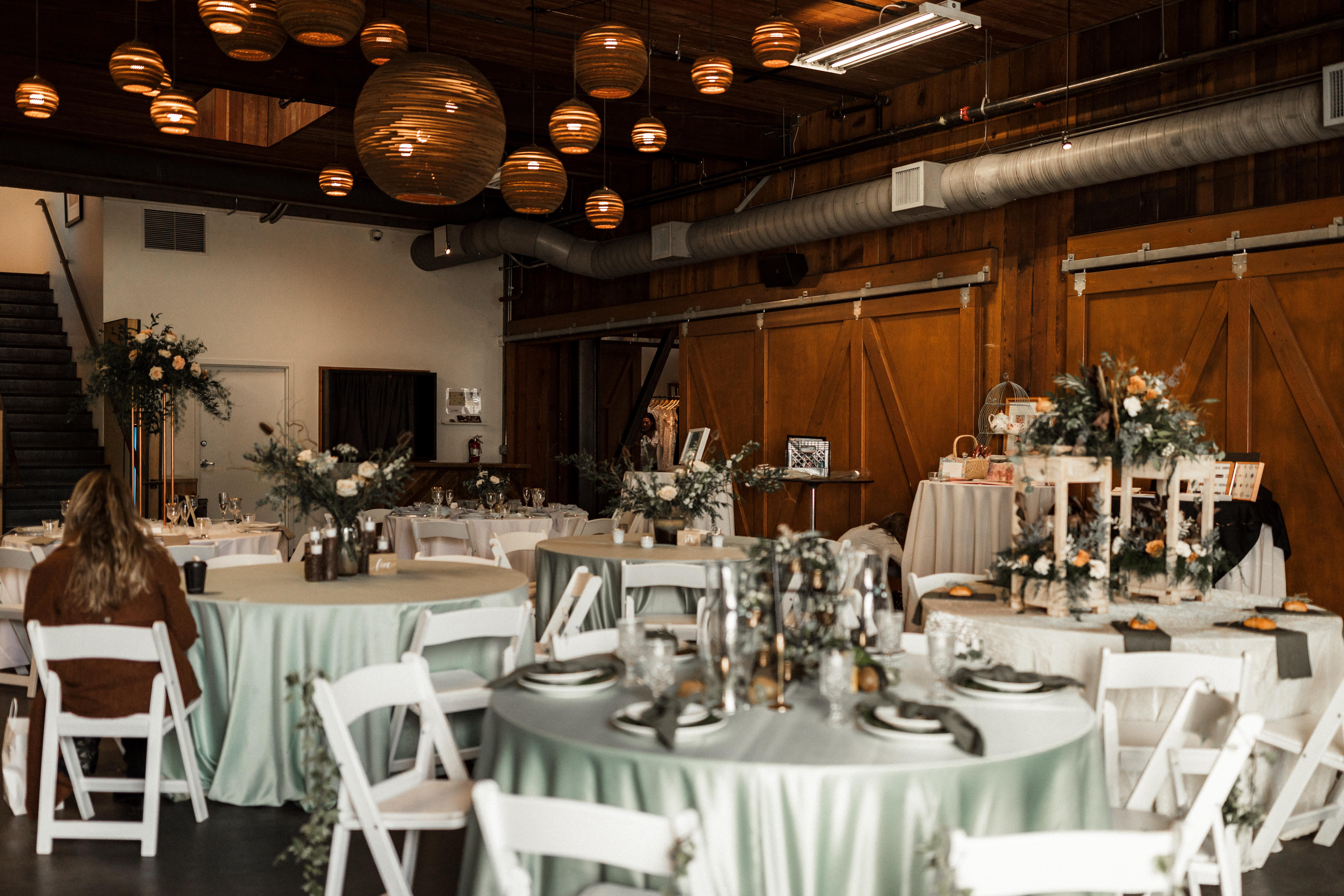 The Big Fake Wedding: Seattle / Works by Sarah Jane Photography