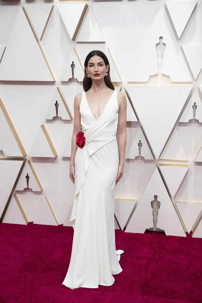 Lily Aldridge, The Oscars, White dress, Red Carpet, Azazie, celebrity styles