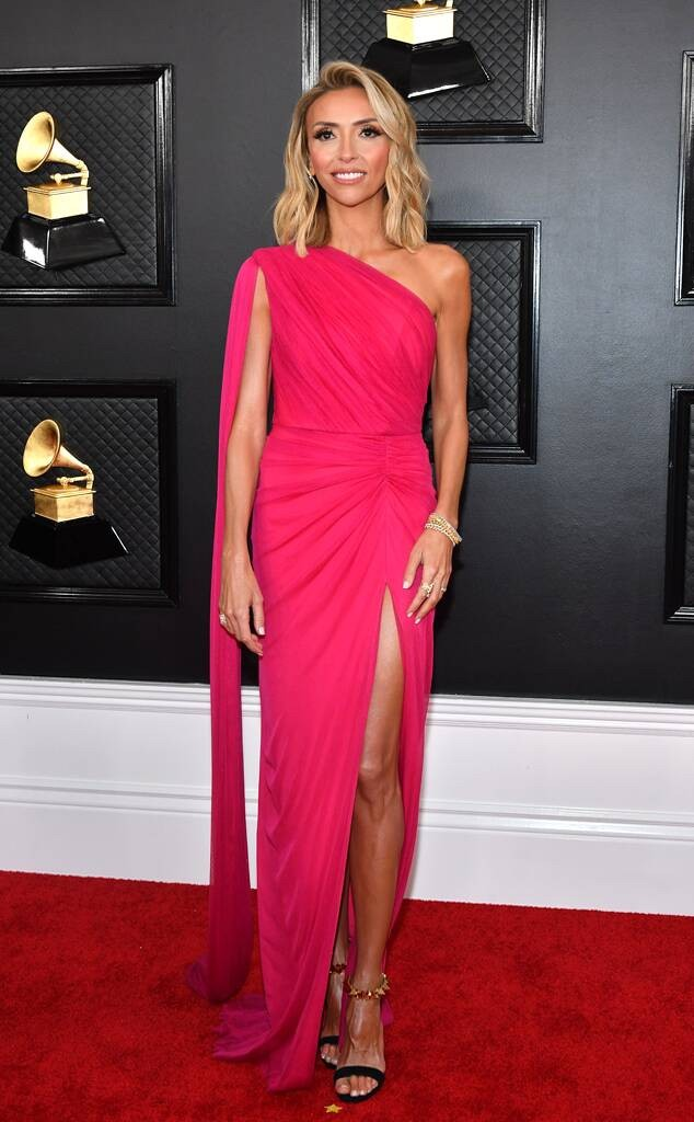 Giuliana Rancic, The Oscars, pink dress, Red Carpet, Azazie, celebrity styles
