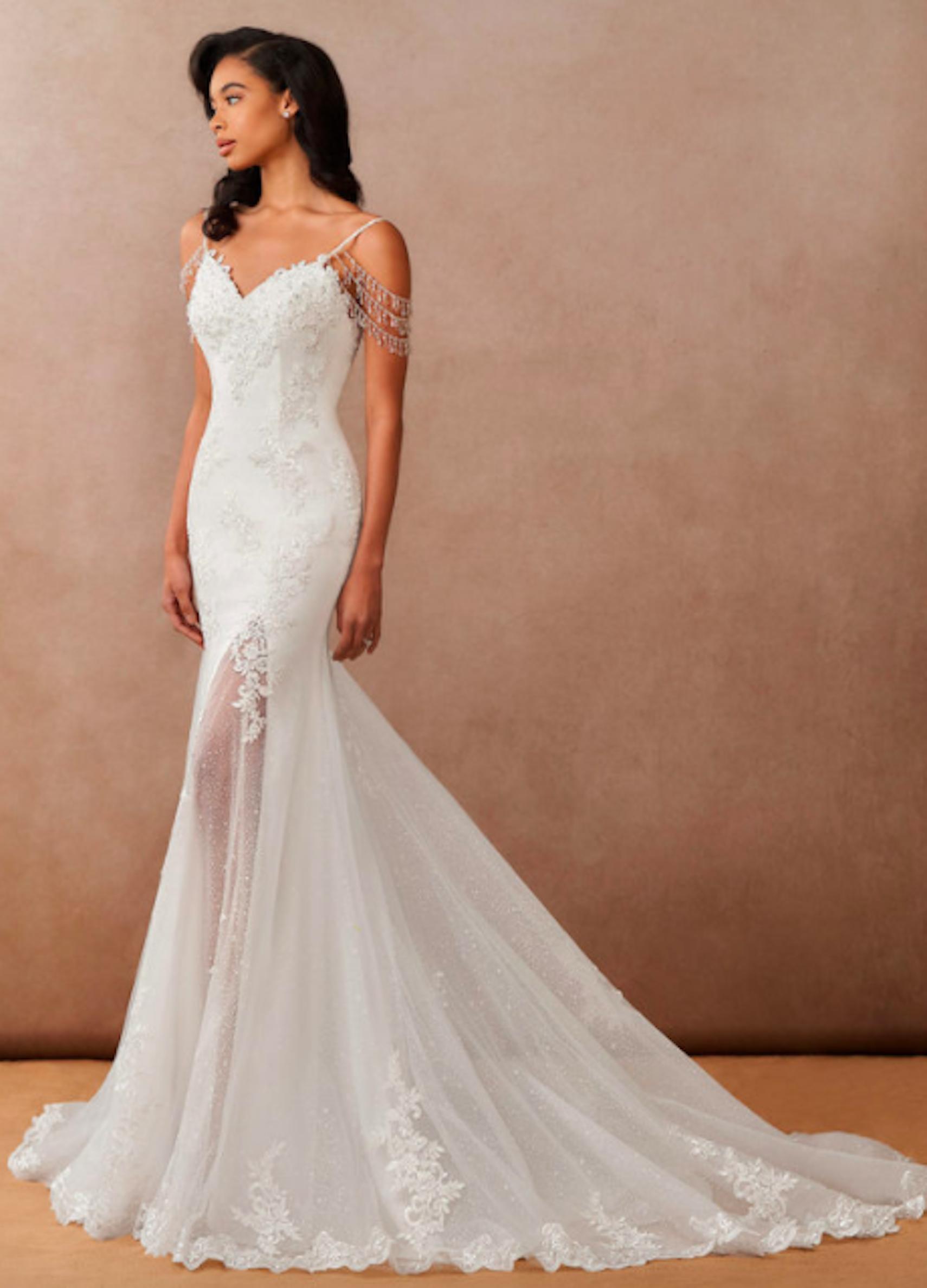 Azazie Saskia, Azazie Essence, bridal gown, mermaid bridal gown, sleeveless wedding dress, fitted wedding dress