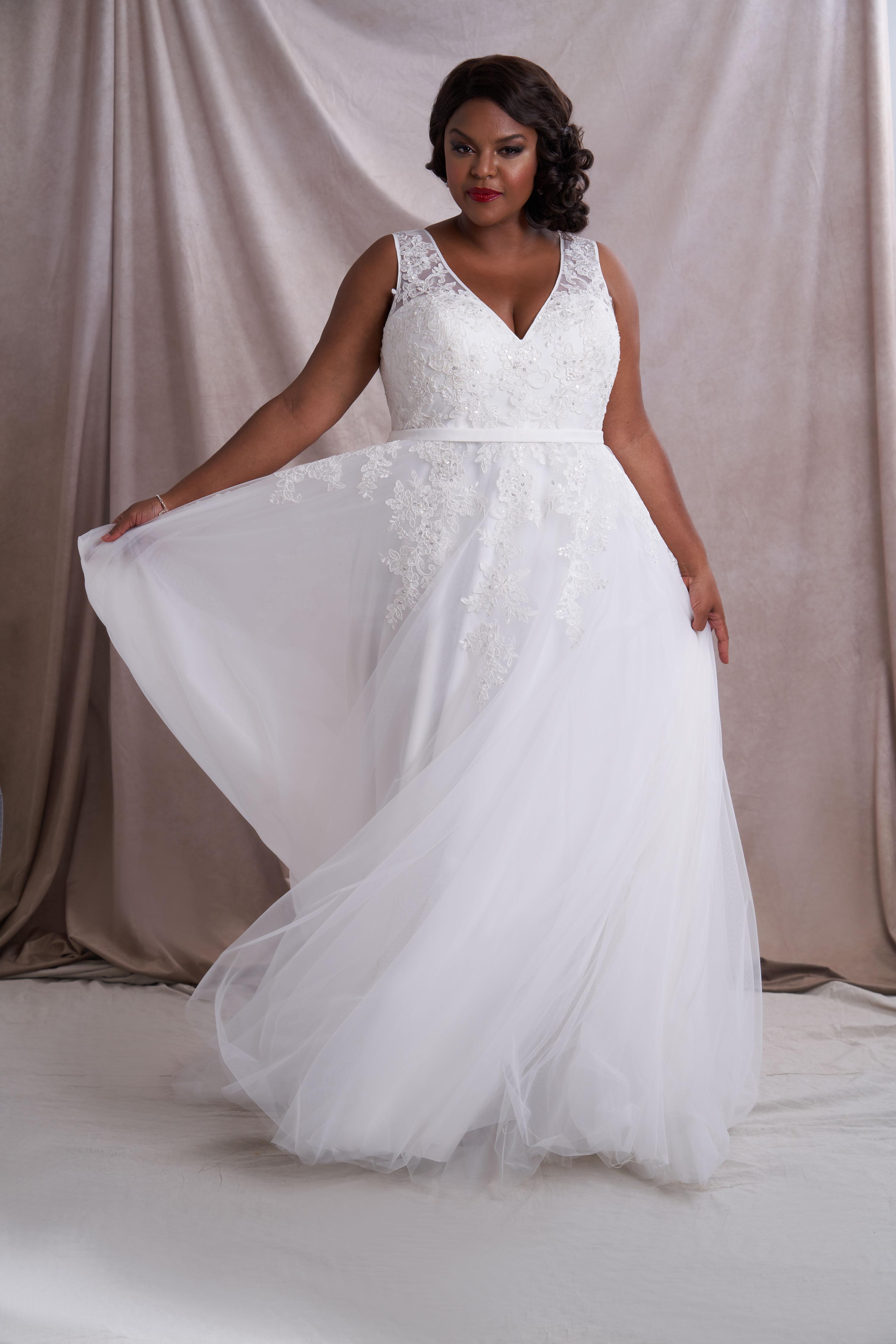 Jenny Rieu Azazie bridal gown wedding dress